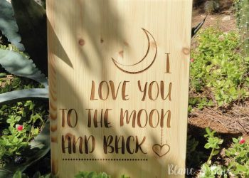 cartel madera para boda con mensaje i love you to the moon